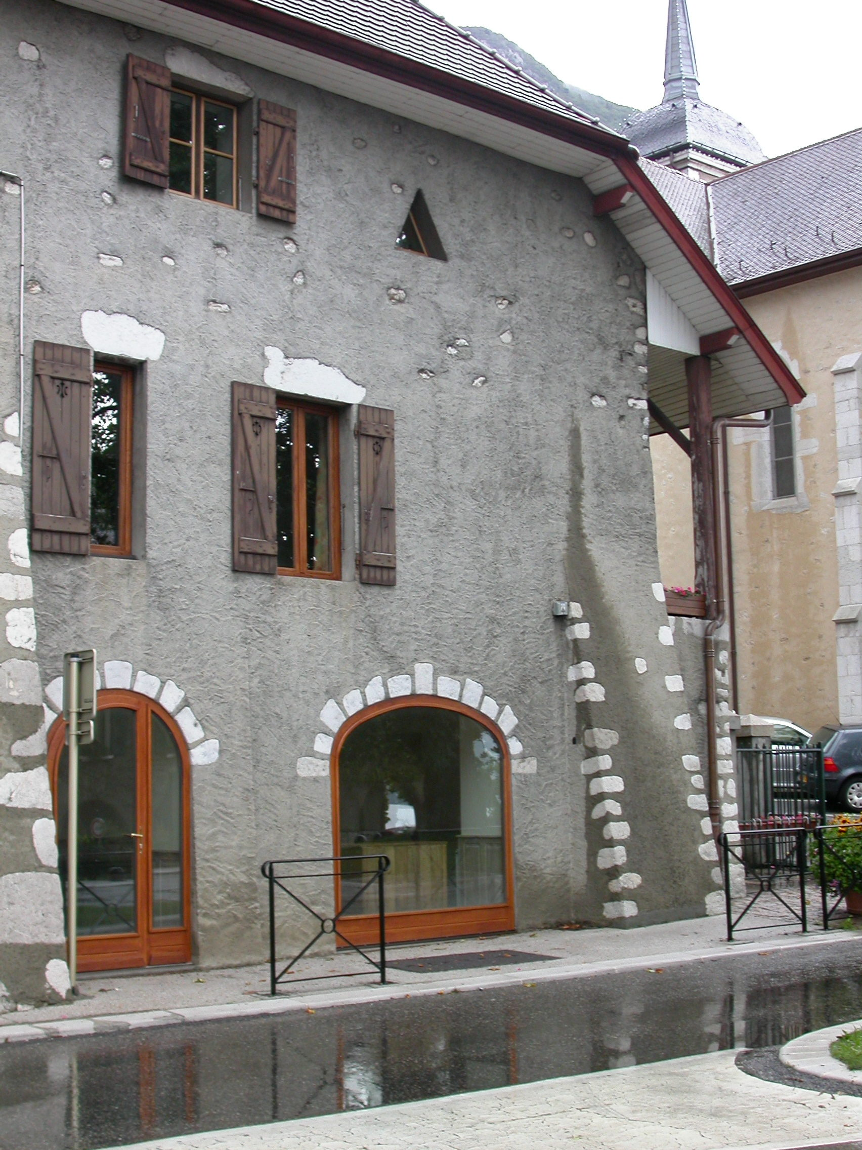 Entreprise de menuiserie a annecy ebenisterie a annecy for Fabricant porte et fenetre